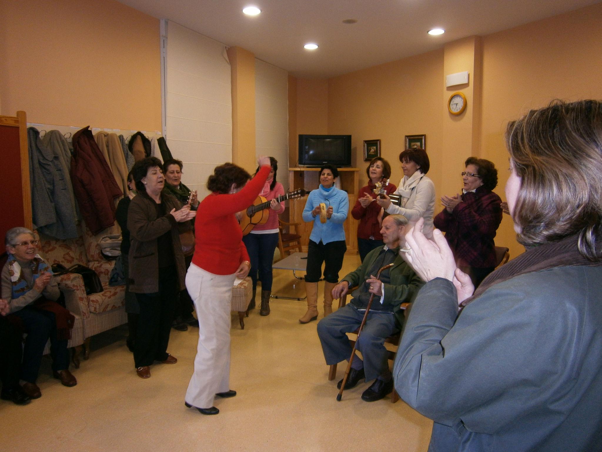 El centro de día y de noche celebra su tercer aniversario con una jornada de puertas abiertas