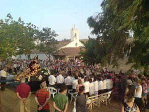 Imagen de la misa de los emigrantes en la ermita del año 2010. FOTO: www.piedraescrita.net