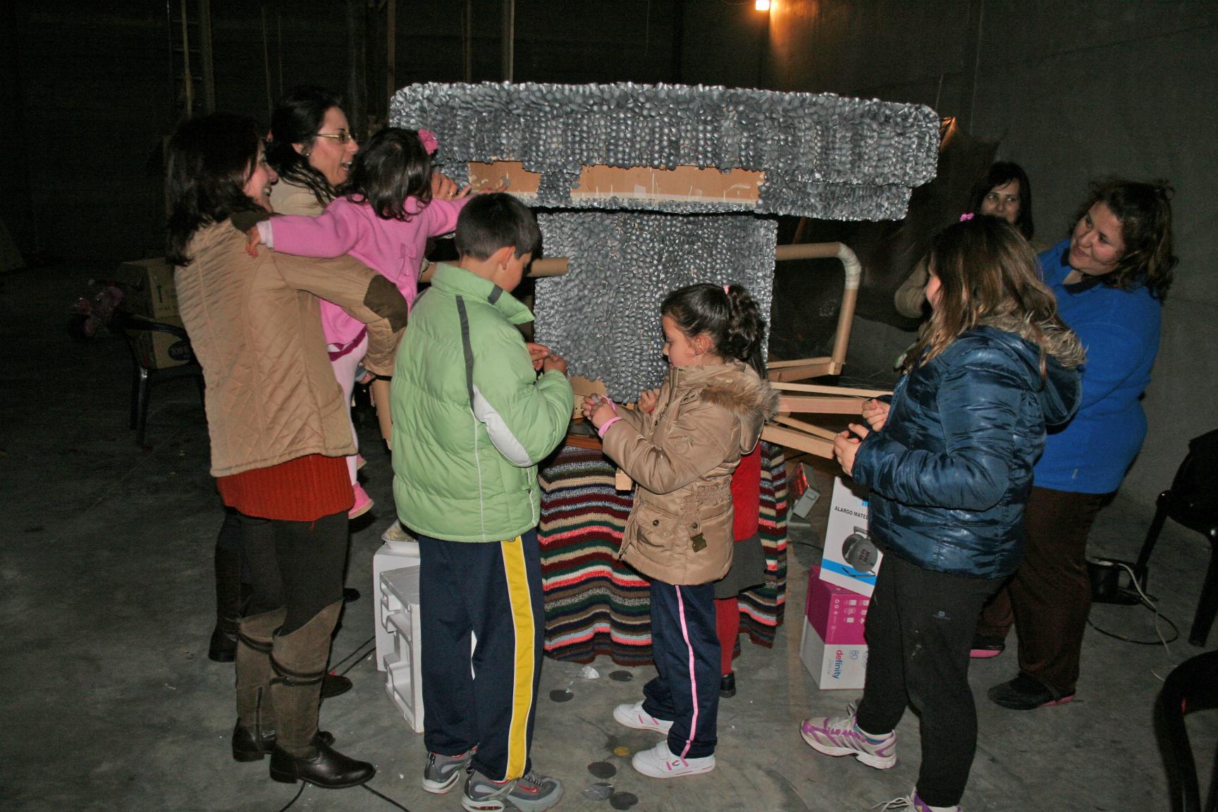 PREPARANDO CARROZAS 2012
