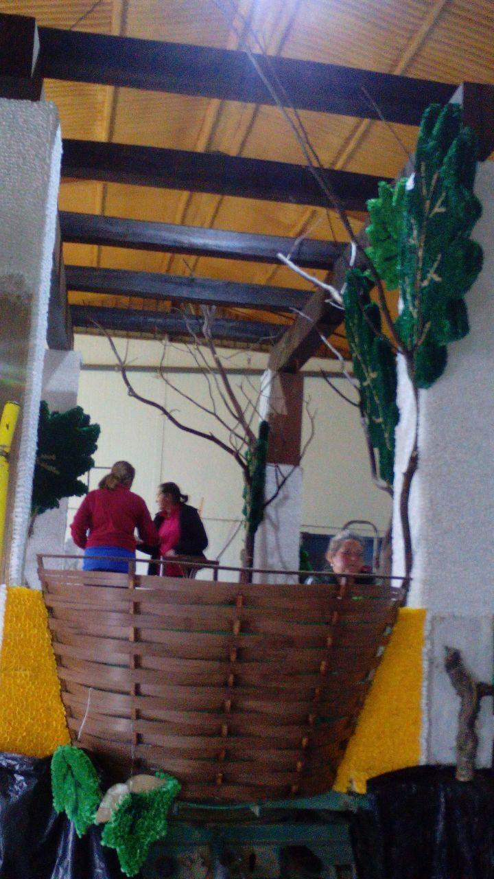 PREPARANDO CARROZAS 2015